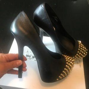 STEVE MADDEN black shoes.